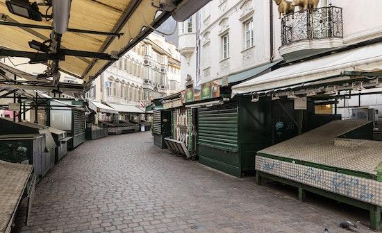 Hold Still - The Bozen/Bolzano Lockdown